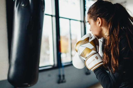 Boxing training with long hair tips